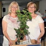 Rendezvényeink résztvevői őshonos gyümölcsfa-csemetékkel